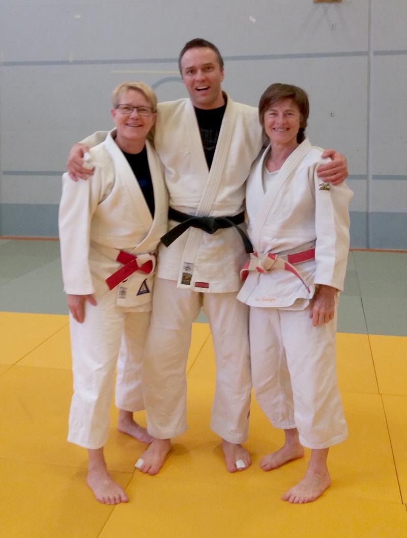 Ann Löf (vasemmalla), Marko Hiltunen ja Jane Bridge.