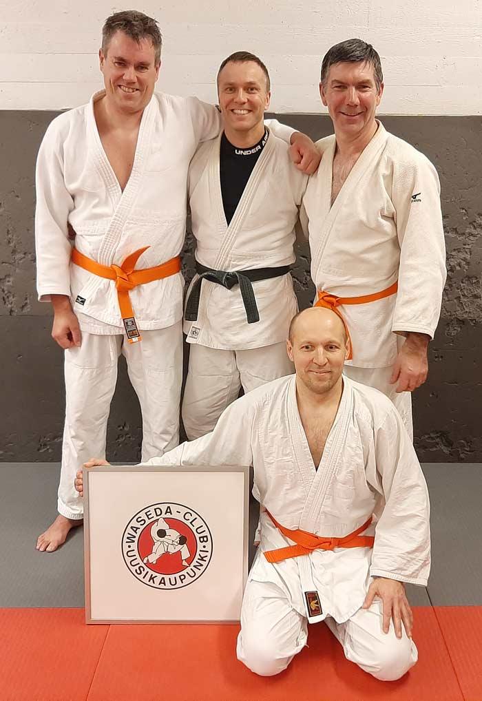 Petri Saario (takana vasemmalla), Marko Hiltunen ja Marko Kivistö. Edessä ukena toiminut Jevgeni Aniskov.