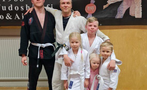 Leirille osallistui Ukista Ville, Marko, Milo, Mae ja Miki.